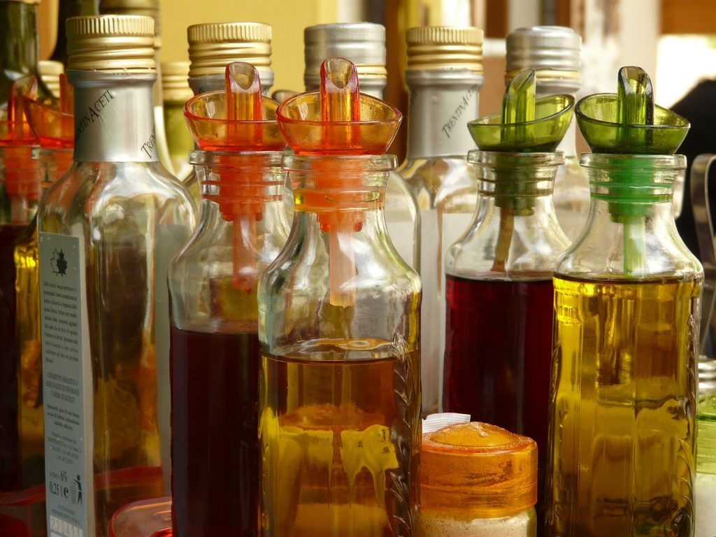 vinegar is one of the best home remedies for fleas in dogs