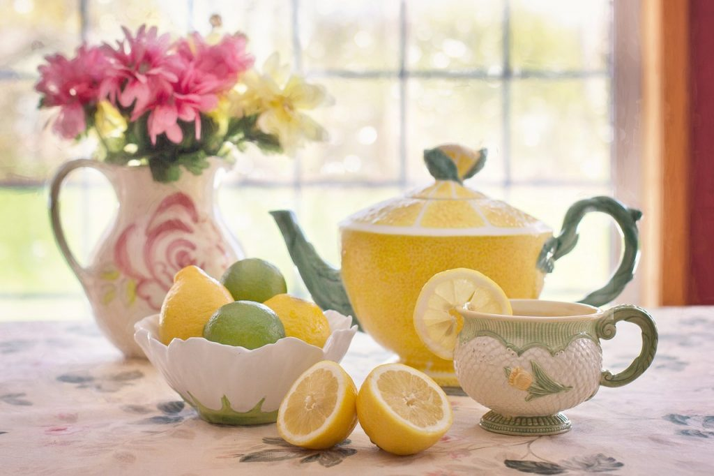 lemons are foods poisonous to dogs