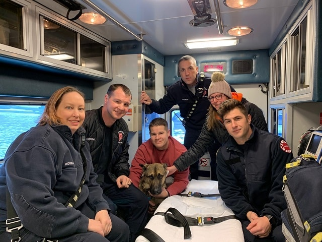 Rescuers Cooperate to Save A German Shepherd Who Fell into Icy Water in Plainfield Pond |