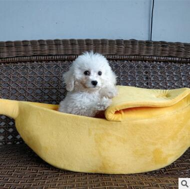 Banana shaped Pet Bed Stunning Pets L- 65x25x18 CM