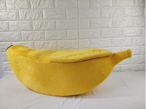 Banana shaped Pet Bed Stunning Pets XL- 90x30x20 CM
