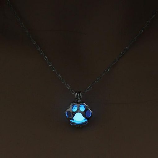 Glow in the Dark Paw necklace Stunning Pets 1