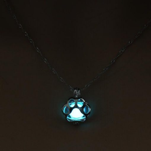 Glow in the Dark Paw necklace Stunning Pets 2