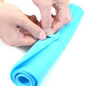 ROLLABLE™: Dog Mat For Food & Water Dog Bowl GlamorousDogs Blue