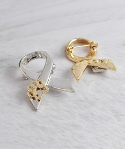 """""""STAND AGAINST DOG ABUSE"""": Animal Abuse Awareness brooch giveaway GlamorousDogs"""